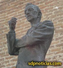 EL PASADO VIERNES 13 DE MARZO LE RINDIERON HOMENAJE EN EL IPN A : AGUSTIN LARA