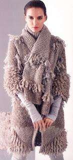 Вязаное-пальто-спицами