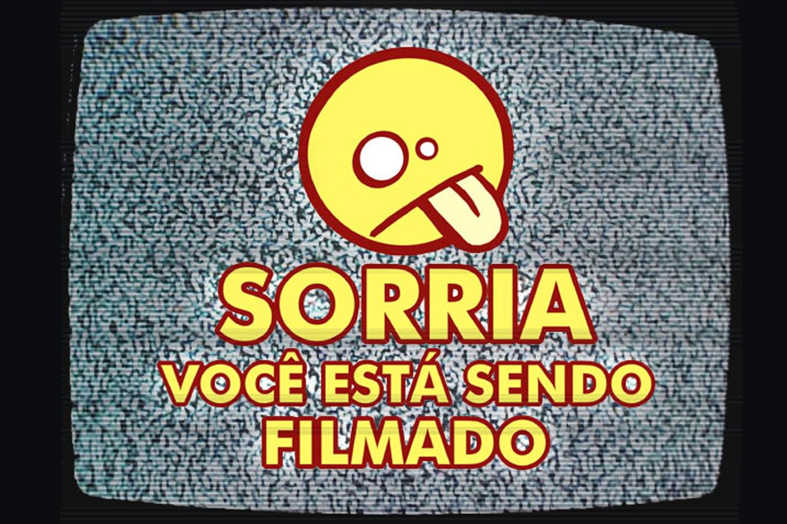 http://4.bp.blogspot.com/_MXTqNSkMYsQ/TN3F1Yboj7I/AAAAAAAABFk/DreLF2SdCzw/s1600/sorria_capa.jpg