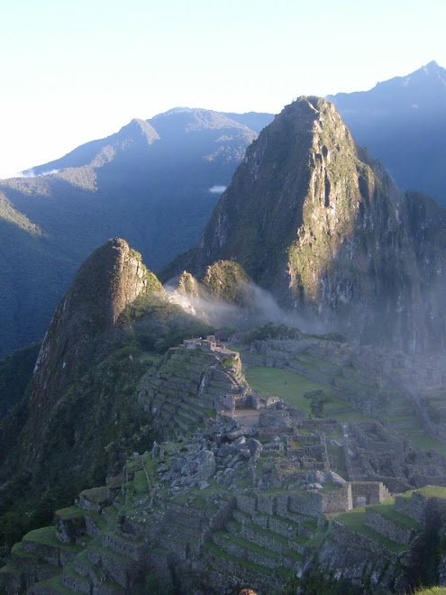 Le Machu Picchu au lever du soleil