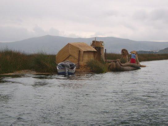 Les îles flottantes du Lac Titicaca