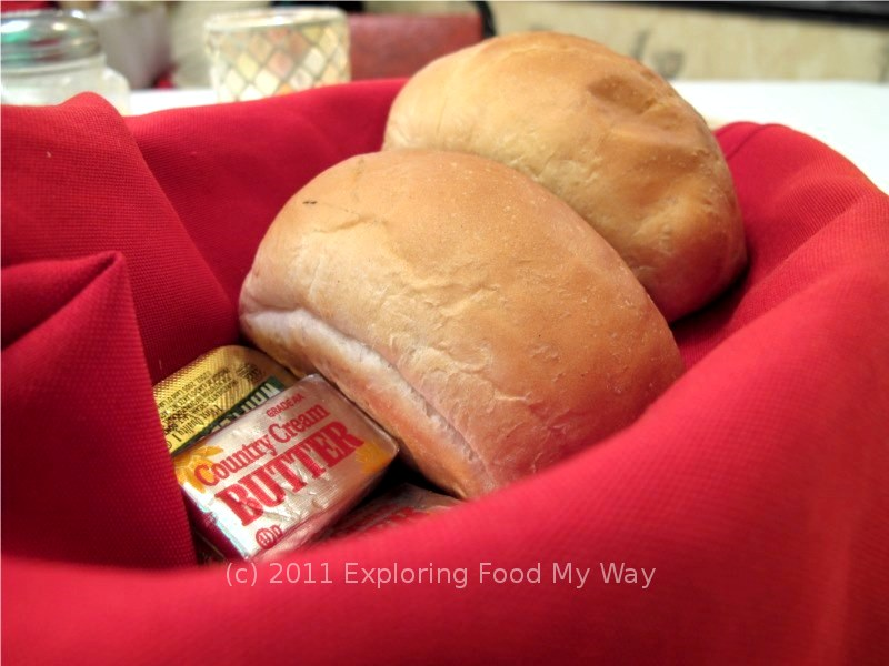 Exploring Food My Way: Satisfying the Craving: Casa Mimi ... err, wait ...