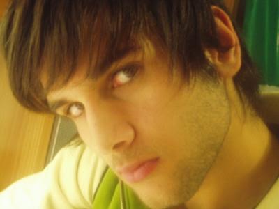 Fotos de chicos latinos, Adrian, es un chico latino muy guapo si te