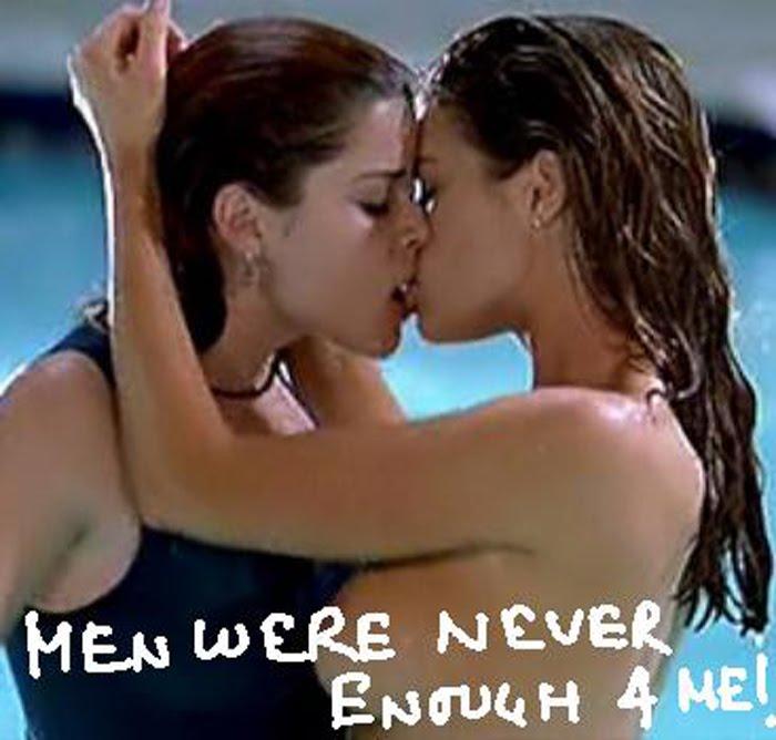 Denise richards lesbian kiss