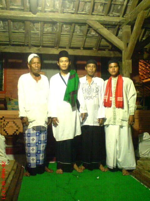 Ziarah Kubur Makam Pangeran Luwung