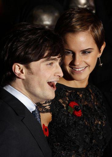 Emma Watson besa como un animal