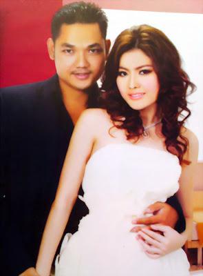 Soeur sotheara and sapon midada in wedding dress