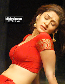 Manjari Fadnis sexy