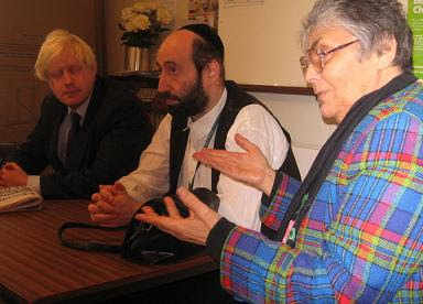 Boris Johnson visits Woodberry Down at the invitation of local Councillors