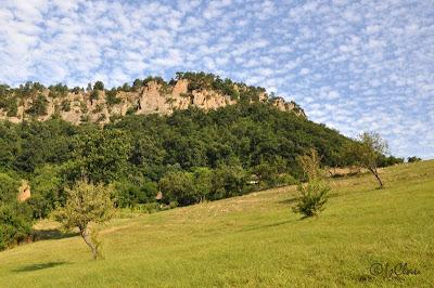 Muntii Almajului fac parte din Carpatii Occidentali