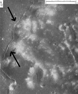 [Image: bulan-terbelah-6-725035.jpg]