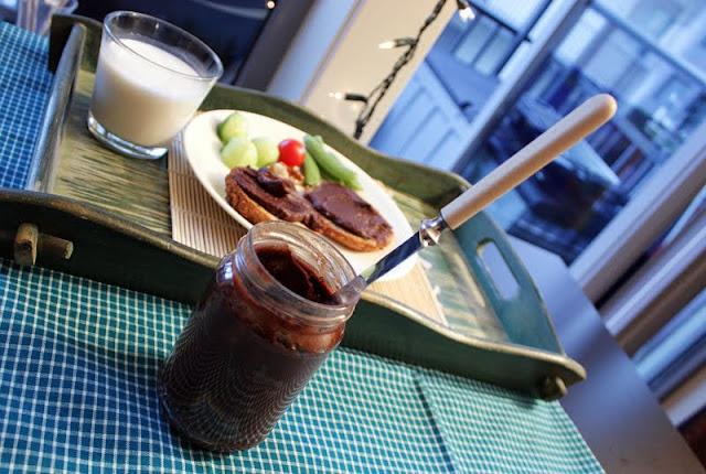 Oppskrift Hjemmelaget Sjokoladepålegg Nøttepålegg Sunt Pålegg Mandler Carob Uten Sukker Rawfood