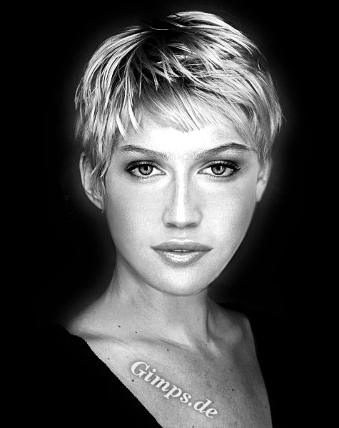 trend with short hairstyle