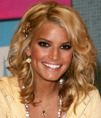 The hairstyle of jessica simpson