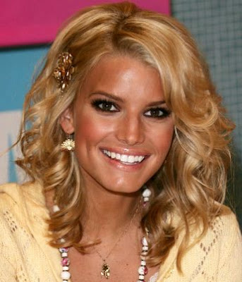 pictures of jessica simpson hairstyles. Jessica Simpson Hairstyles