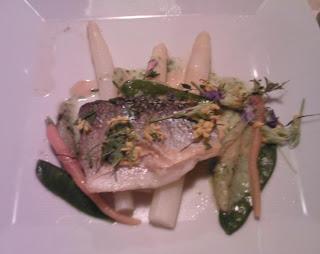 http://4.bp.blogspot.com/_MhtOuG5nnWs/StdbVVw9KZI/AAAAAAAAACs/uFgP4HUFNZE/s320/Christian+Pircher+chef+Filetto+di+branzino+alle+erbette+ph+f+bonaz-705396.jpg