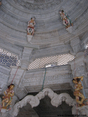 craved ceiling of neminath temple