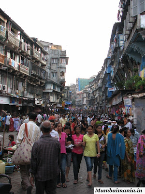 crowded street of bhuleshwar
