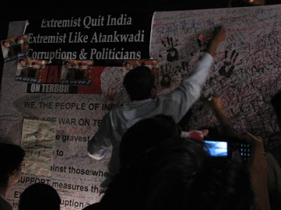 Signature campaign to fight terrorism in Mumbai