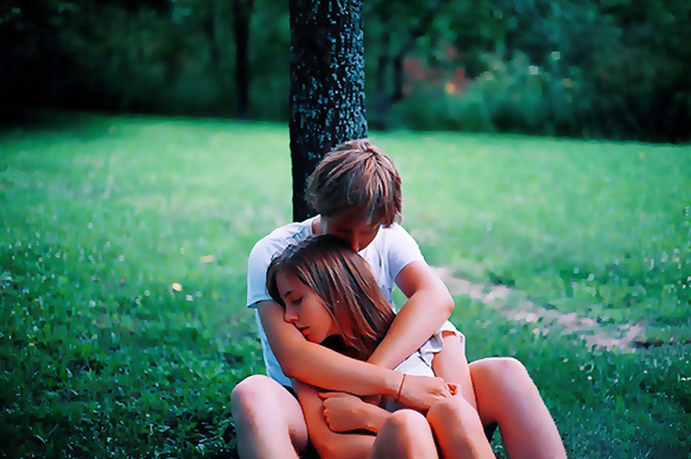 Фото мальчика и девушка, Boy And Girl Love Фото со стоков и изображения 3 фотография
