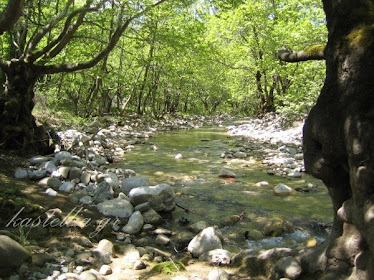 ΚΑΣΤΕΛΛΙΑ, στο ποτάμι