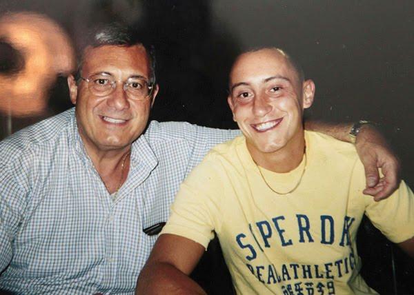 Un orribile delitto -nella foto Stefano Cucchi con il padre