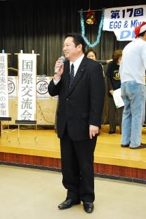 県議会議員の下森さんのご祝辞の写真