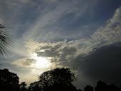 El aire toma forma de tornado...