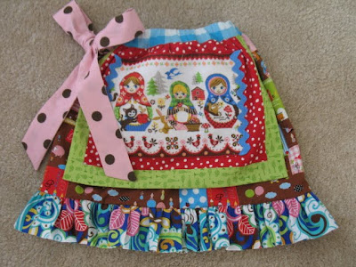 Free Sewing Pattern - Cross Front Apron from the Aprons Free