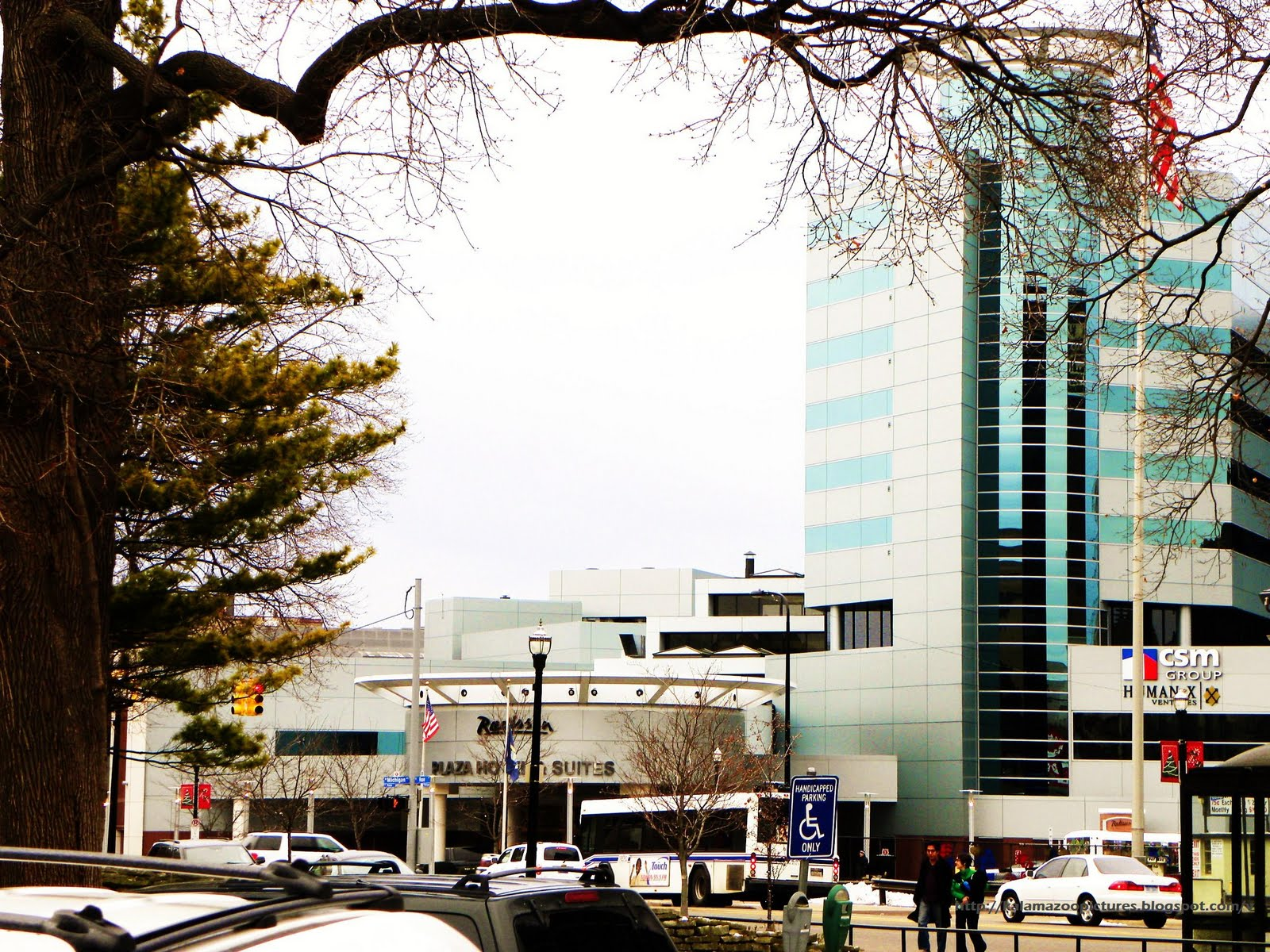 A Main Attraction And One Of The Most Beautiful Prominent Buildings Downtown Kalamazoo Is Hotel Radisson Plaza It Located On 100 West Michigan
