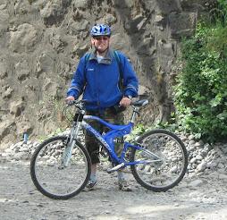 Cincuentón en bicicleta