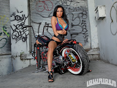0907 Lrms 06 O Raven Lowrider Girls Model Sitting On Bike