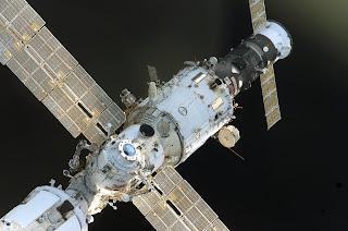 0806 SPACE SHUTTLE 03 (3006x1989)