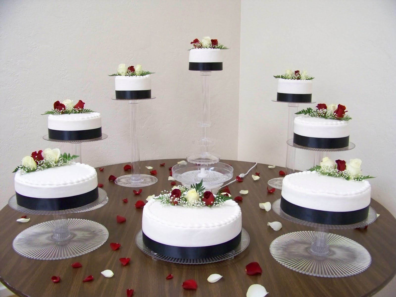 Wine Country Cakes: 8-Tier Wedding Cake