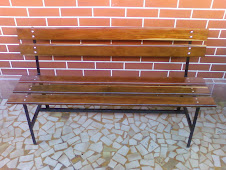--------------------------------Banco de Jardim em Madeira e Aço - PA-150  R$340,00