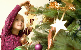 kids christmas tree decoration wallpaper