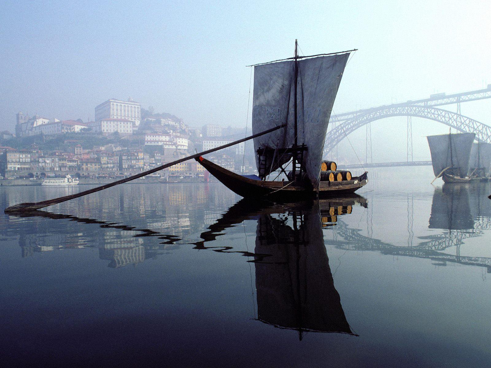 [Douro+River,+Porto,+Portugal.jpg]