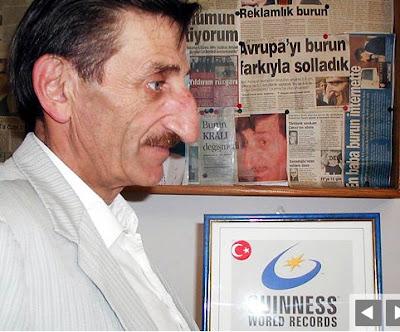 Ginisovi rekordi Mehmet+Ozyurek+-+Biggest+nose+03