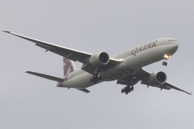 [800px-Qatar_Airways_777-3DZER_A7-BAF.jpg]