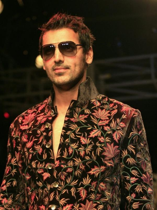 John Abraham Rohit Bal Kolkata Fashion Week