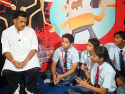 YJs chats with Congress MP Sanjay Nirupam