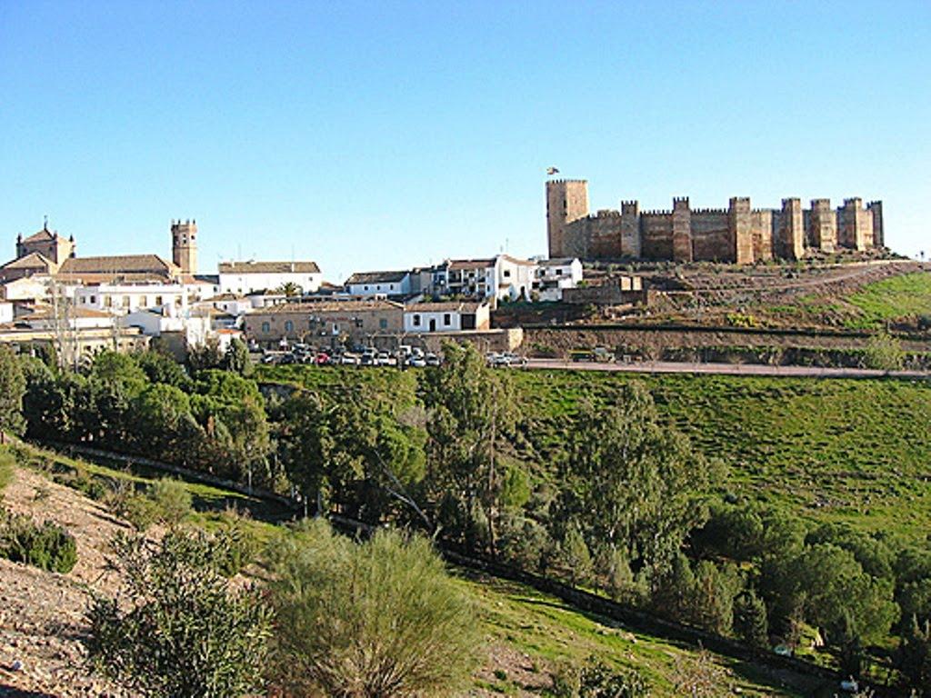 Lugares de inter s y pueblos con encanto de andaluc a ba os de la encina jaen - Castillo de banos de la encina ...