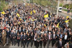 Marxa el dimecres 15 d'abril a Amed contra les detencions i a favor dels drets civils. Foto: Hevallo