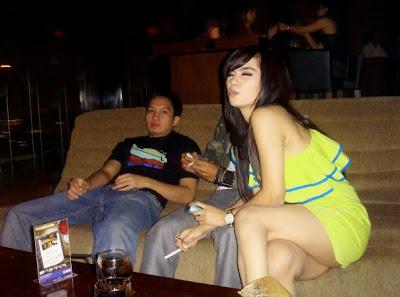 Olla RAMLAN photo Bugil Sexy