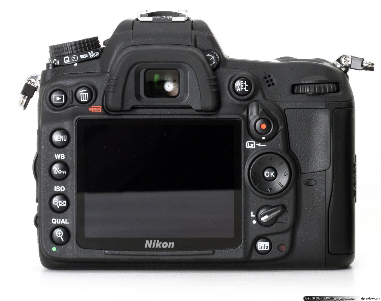 how to turn on nikon d7000