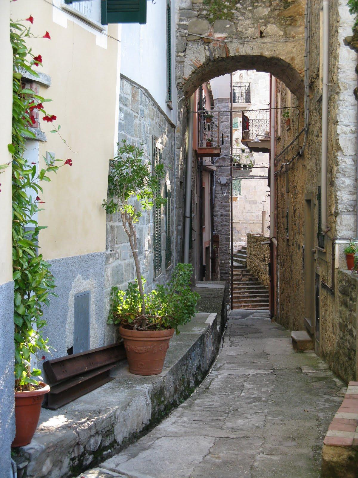 Inspire Bohemia  Beautiful Alleyways