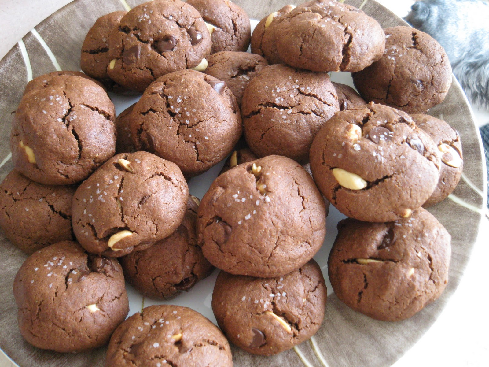Happy Insides: Salted Double Chocolate Peanut Butter Cookies