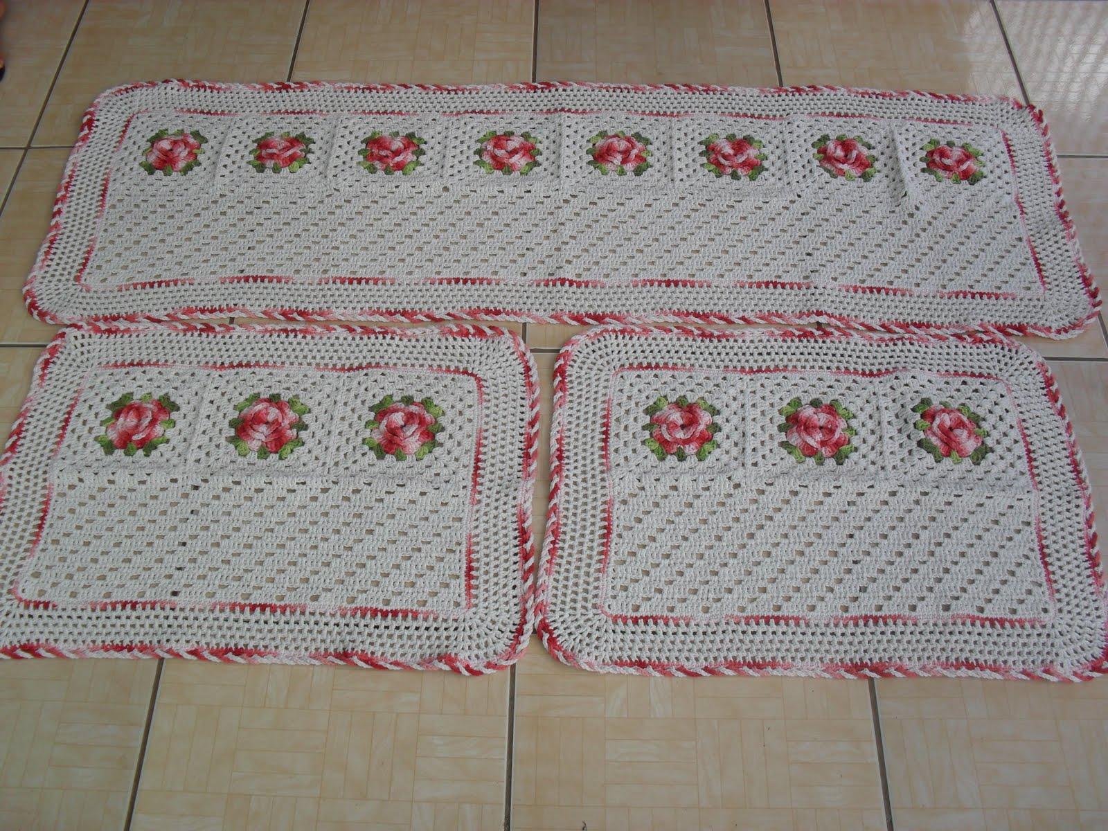 Crochê Fascínio: Jogo de tapetes de crochê com flores...