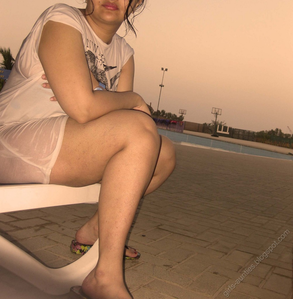 desi girls and aunties non nude pics desi girls at beach tamil sexy