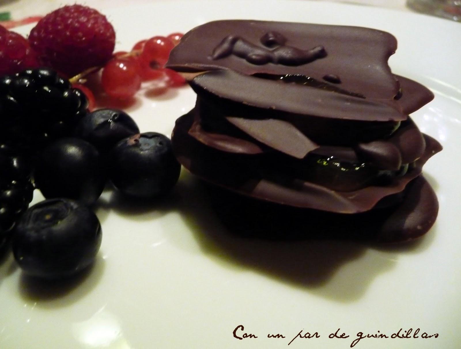 Milhojas de chocolate y crema